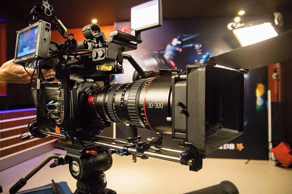 Canon 30-300mm - Facebook -1